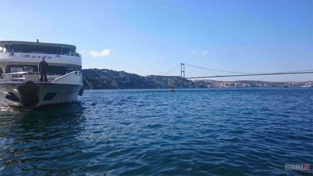 Istanbul Bosporus - Brücke der Märtyrer des 15. Juli