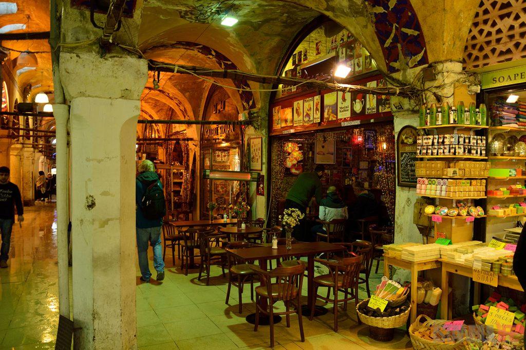 Istanbul-Großer-Basar-Große-überdachter-Basar