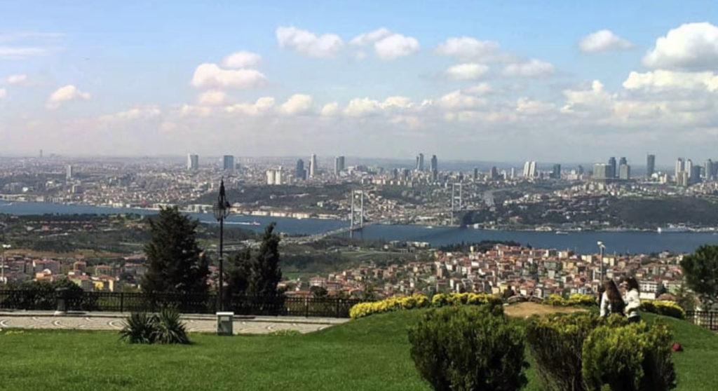 Der Große Çamlıca-Hügel Istanbul